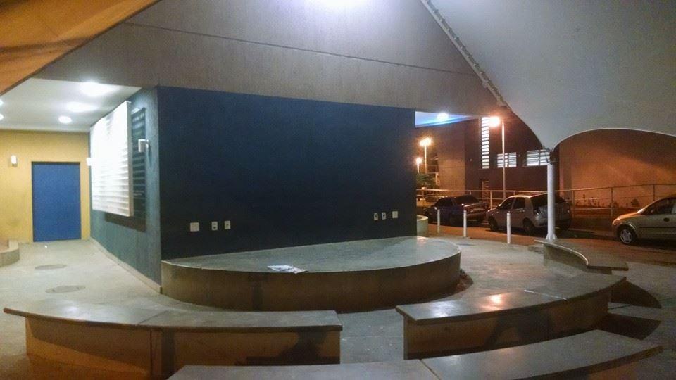 Anfiteatro da Praça do Conhecimento na Nova Brasília