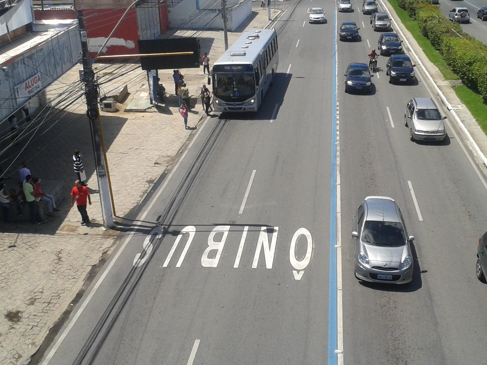 SMTT afirma que irá ampliar faixa exclusiva para ônibus em 2015