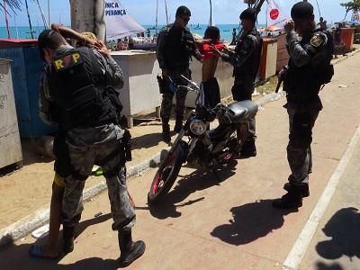 Operação integrada da PM reforça policiamento na orla de Maceió