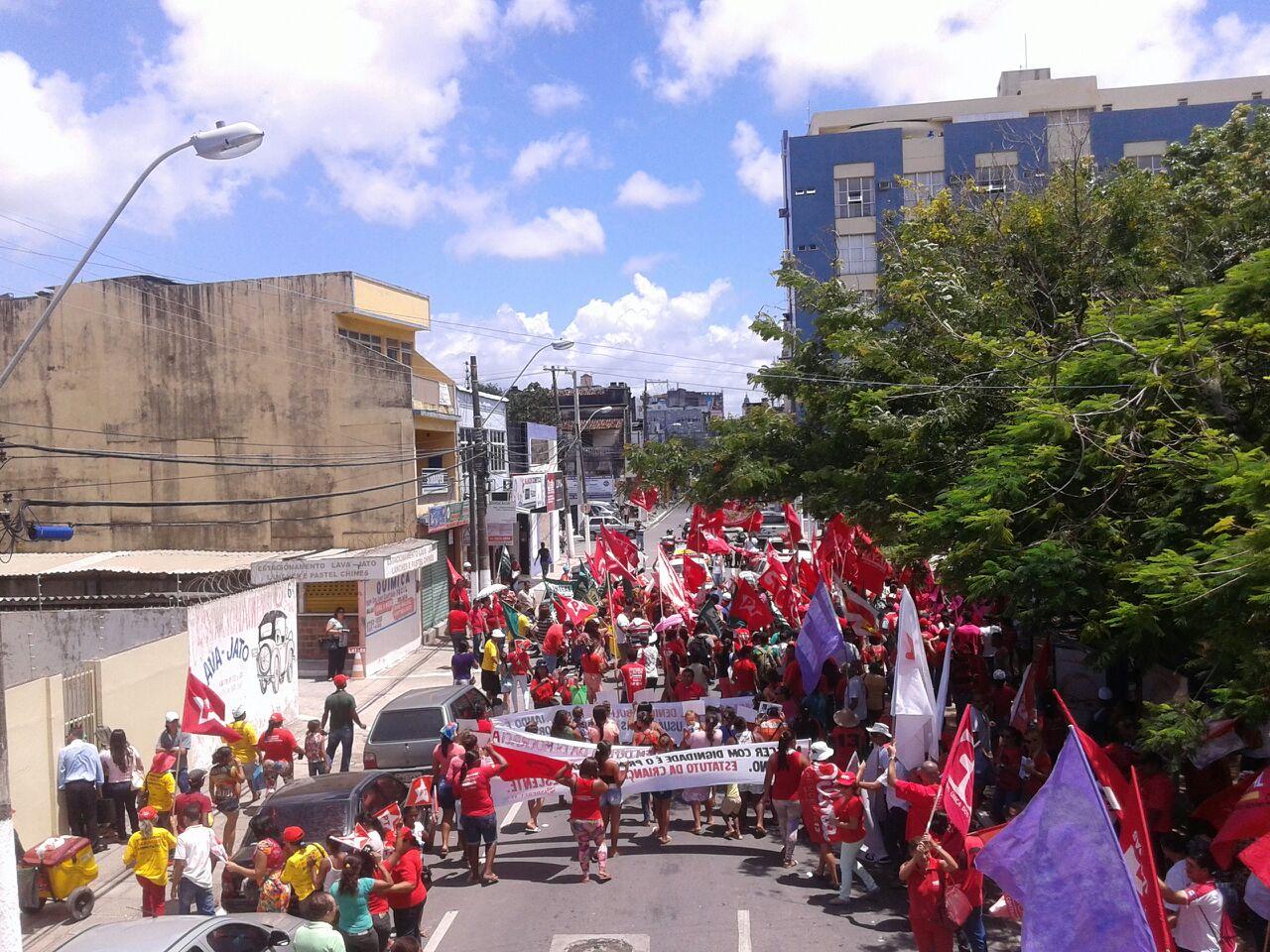Lideranças sindicais realizam ato contra privatização da Petrobras
