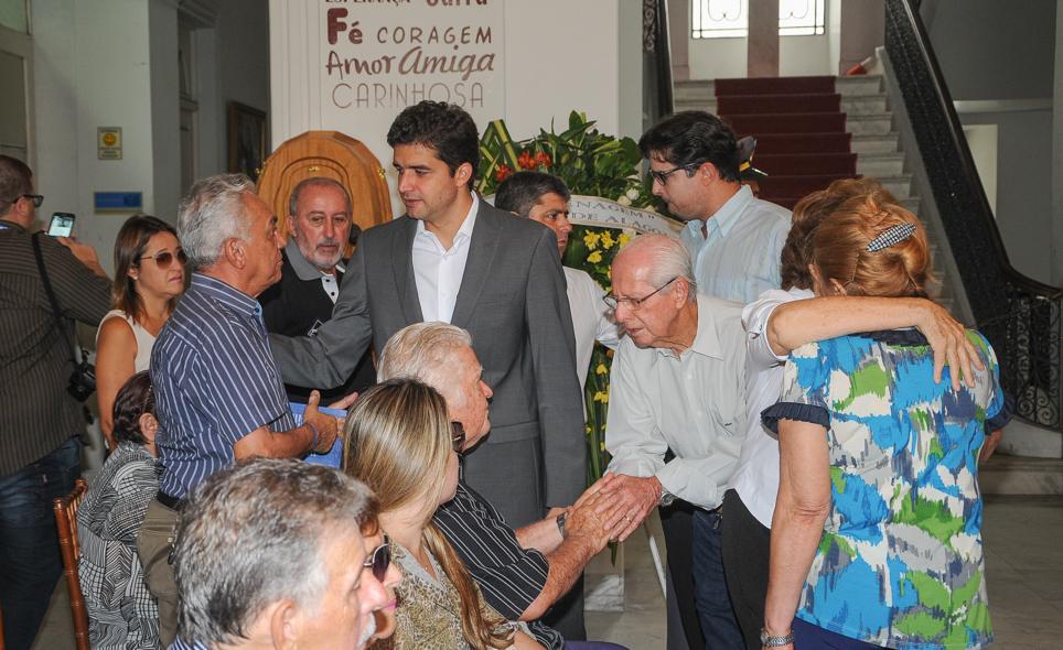 Governador de Alagoas, Prefeito de Maceió e outros políticos estiveram no velório de Suruagy