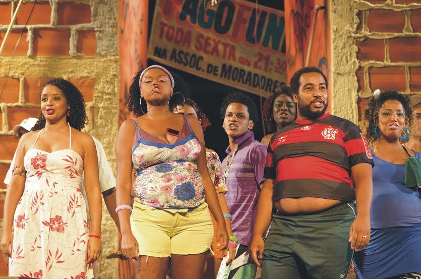 "Sesc Ramos apresenta espetáculo ""Favela"""