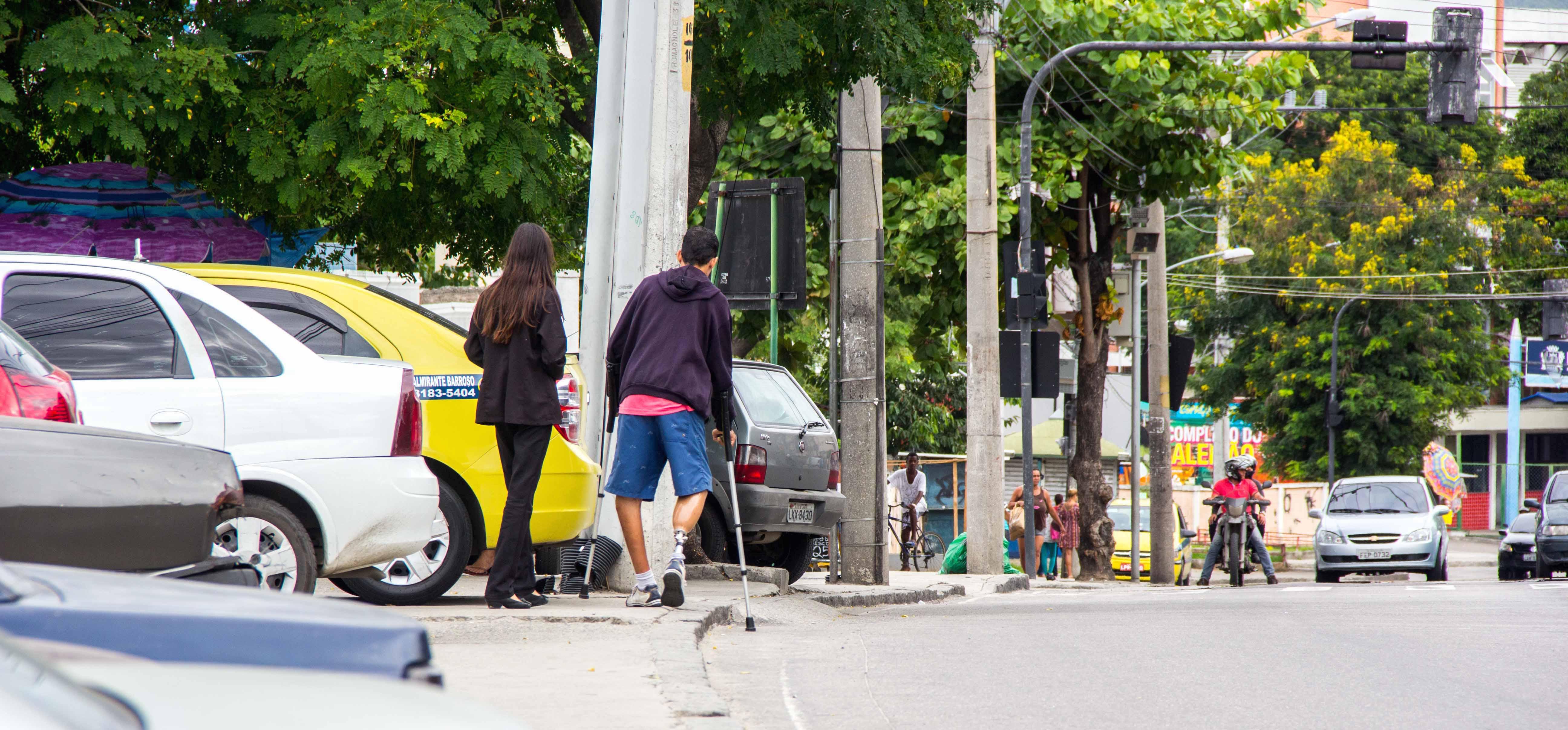 Andar a pé pela Itararé é uma aventura - Foto: Renato Moura
