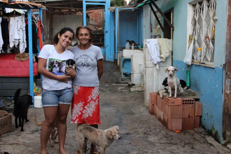 Proteção por amor – Conheça a história do CAARP e de Tânia que atuam na Vila Cruzeiro