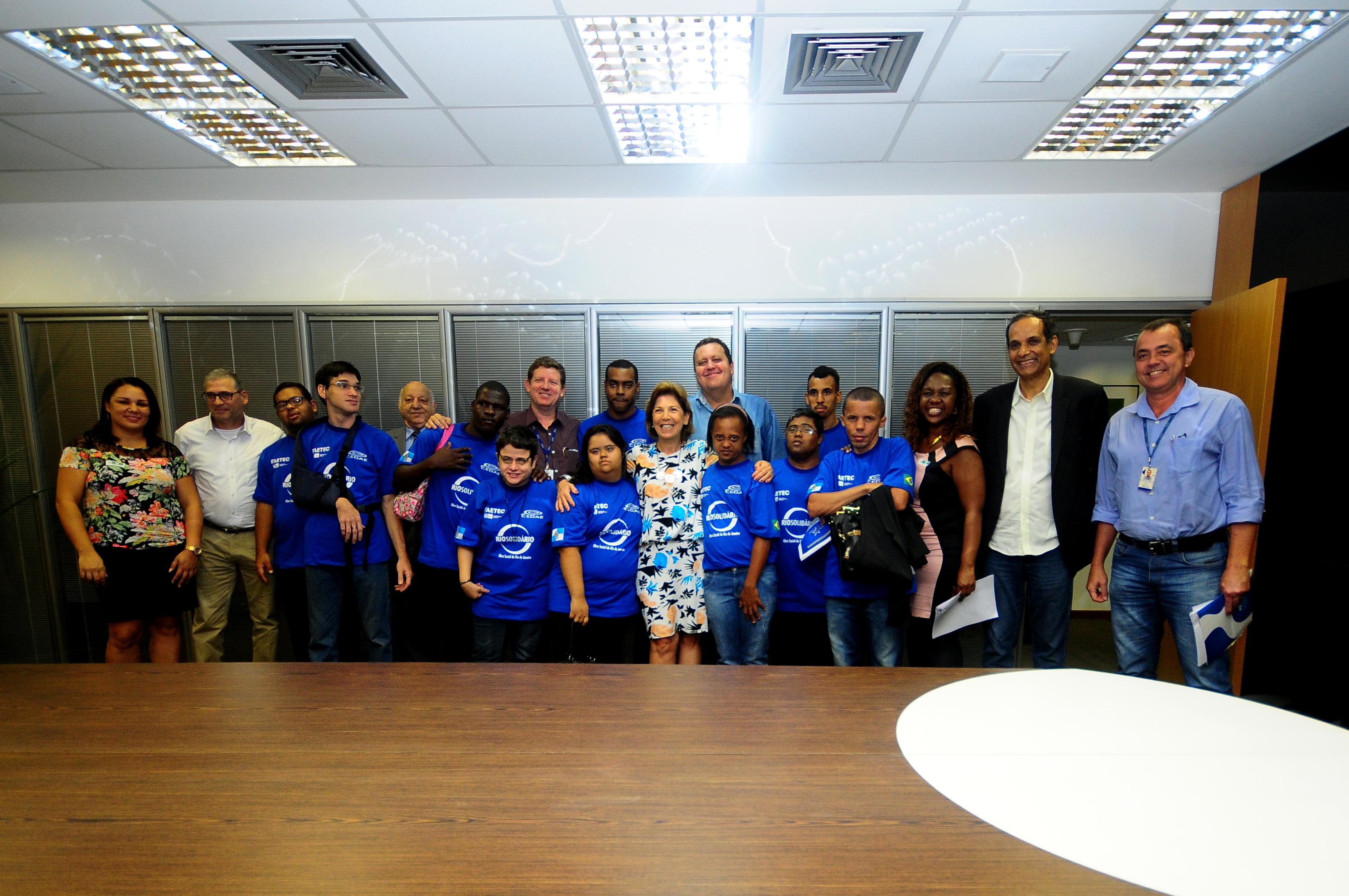 FAETEC, CEDAE e RioSolidario promovem a empregabilidade de jovens com deficiência
