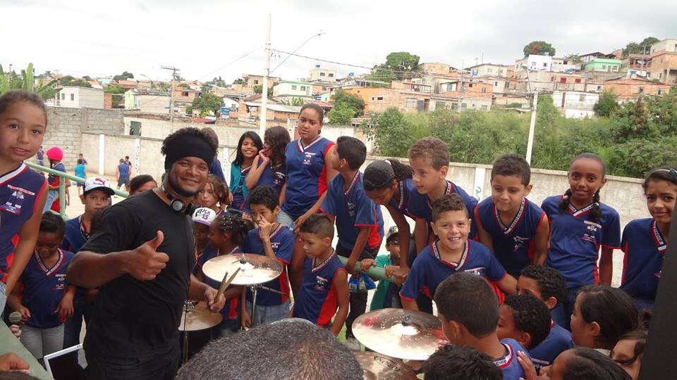 Projeto chama atenção de crianças para o mundo musical