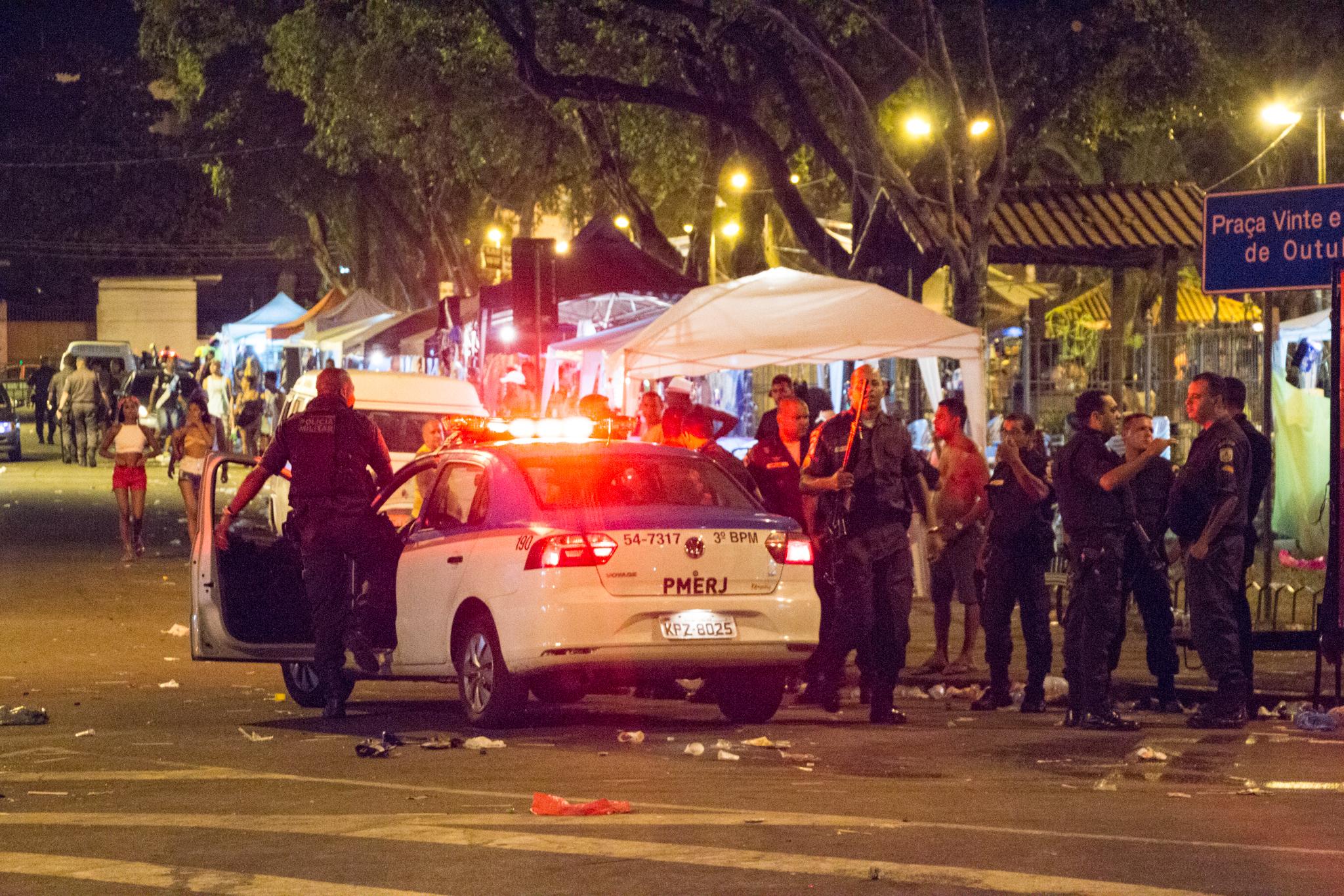 Confusão fecha última noite de carnaval no Complexo do Alemão