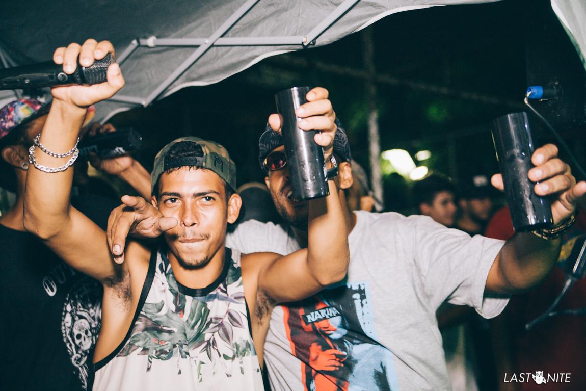 Os organizadores Bruno 'Shark' e DJ Saquarema comemoram um ano da Roda Cultural da Praça do Skate. Foto: LastNite.