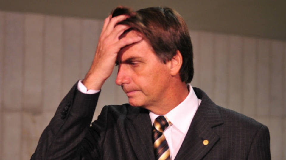 """Bolsonaro vira réu por falar que deputada """"não merecia ser estuprada"""""""