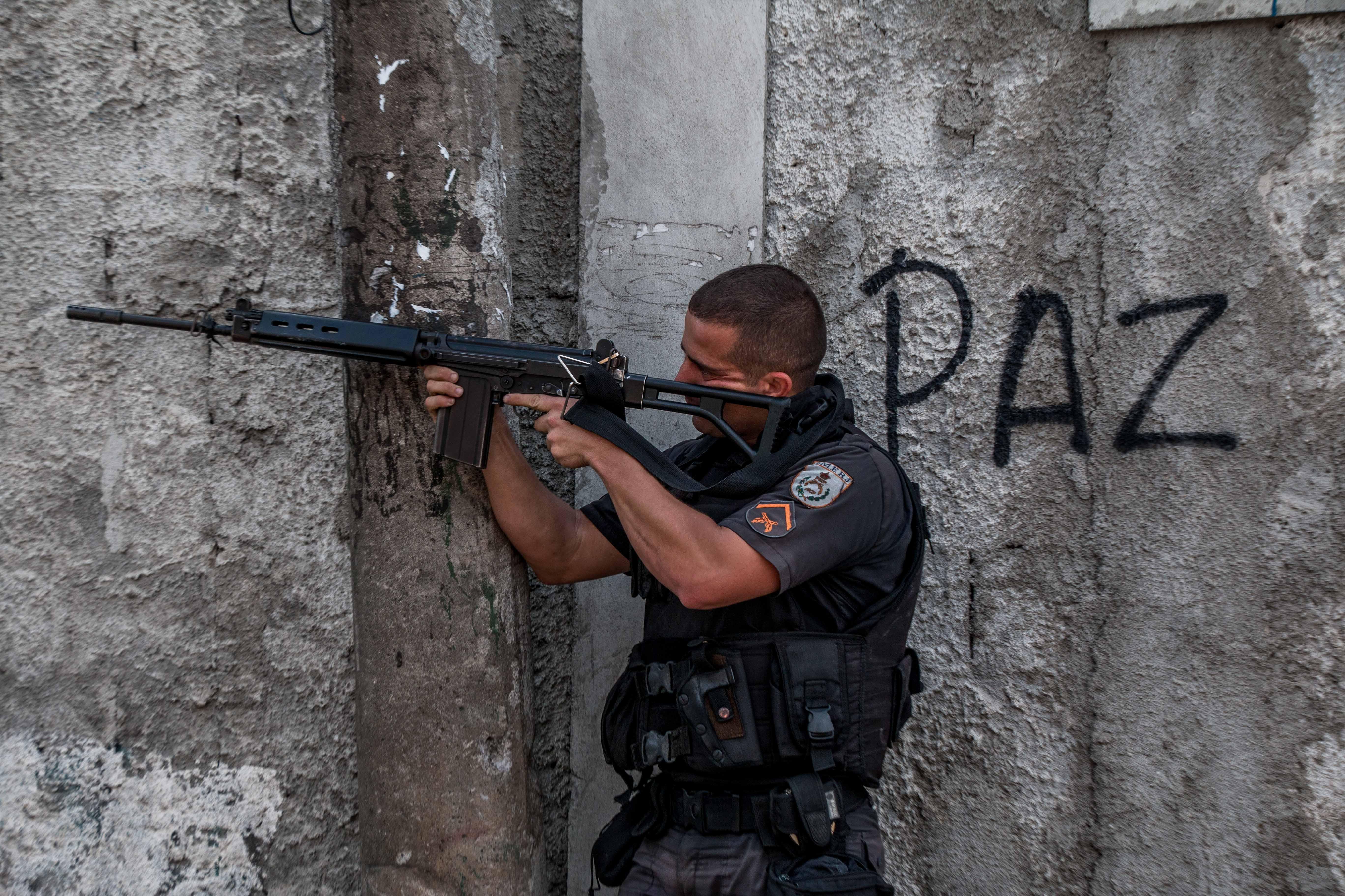 OPINIÃO: O caos na segurança pública e suas consequências dentro das favelas do RJ