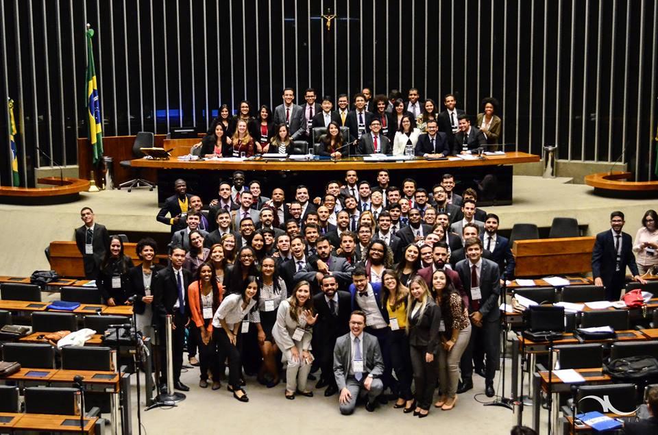 Politeia: Uma simulação que ainda traz esperança no processo legislativo brasileiro