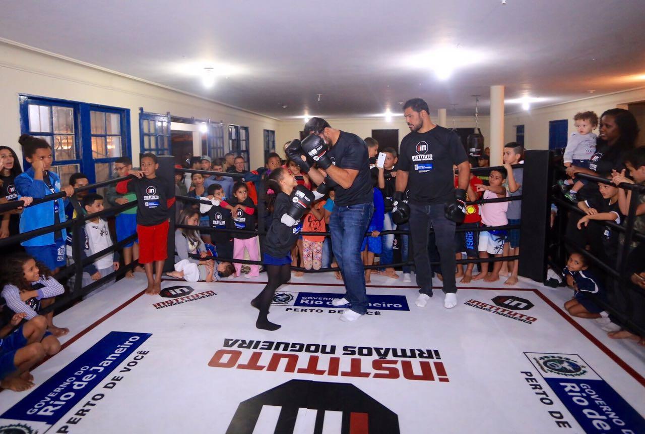 Complexo do Alemão ganha nova escolinha de artes marciais dos Irmãos Nogueira