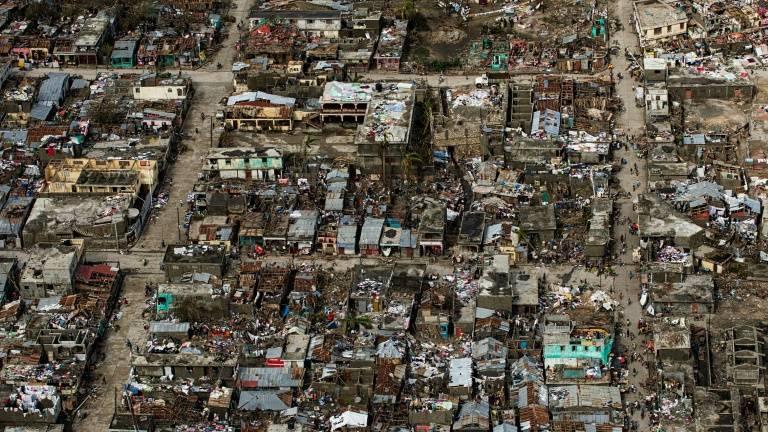 Haiti tem quase 900 mortos após passagem do Furacão Matthew