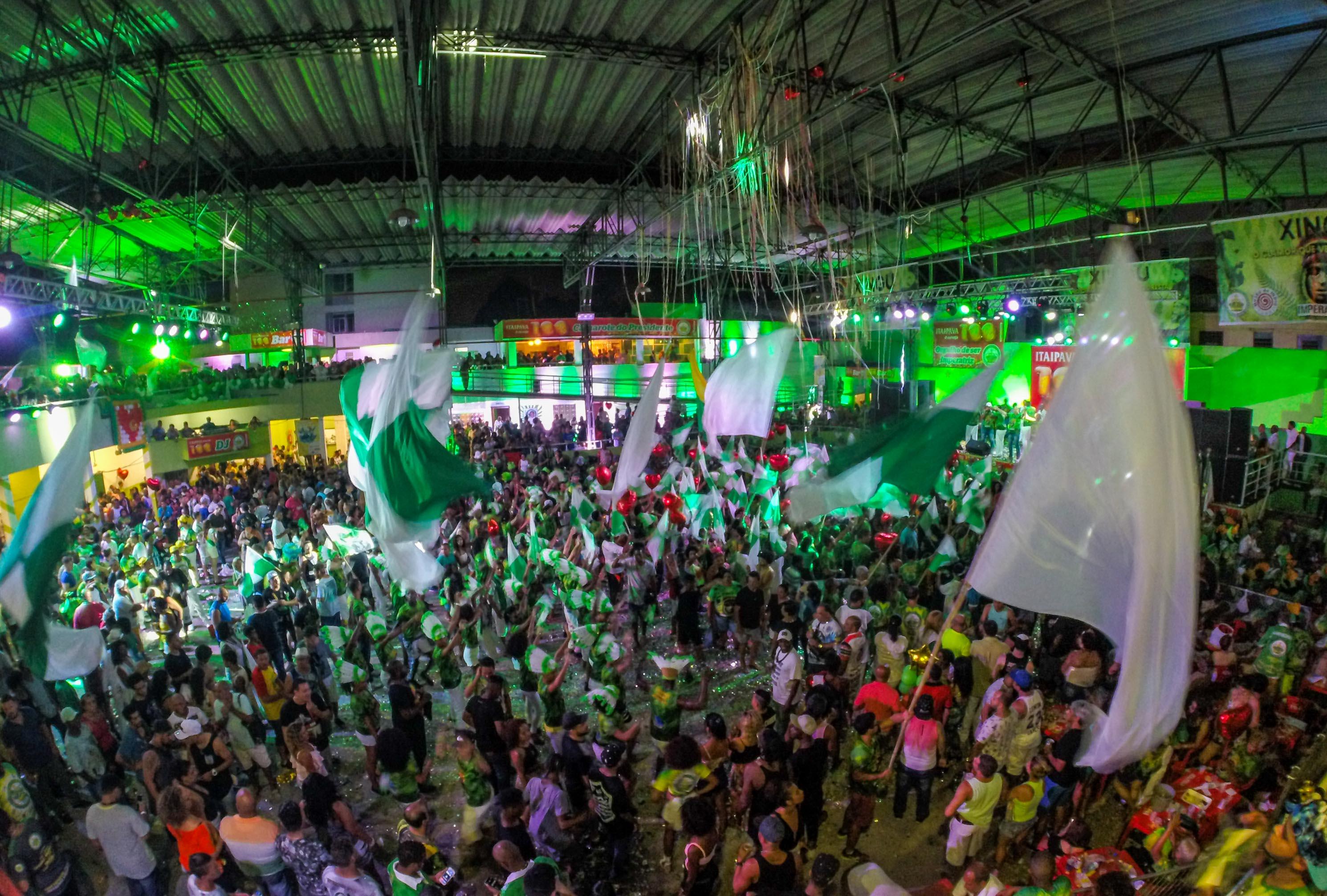 Imperatriz teve quadra lotada na escolha do samba enredo que vai disputar o carnaval de 2017