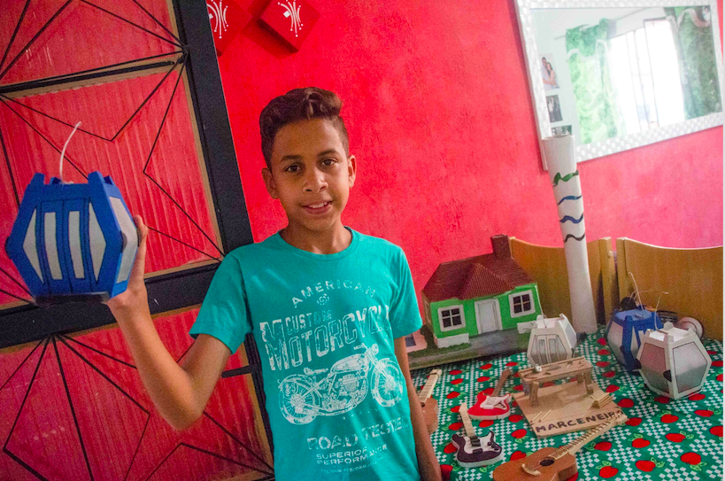 Saulo Lima mora na Alvorada com a mãe e os irmãos tem o sonho de ser arquiteto - Foto: Renato Moura