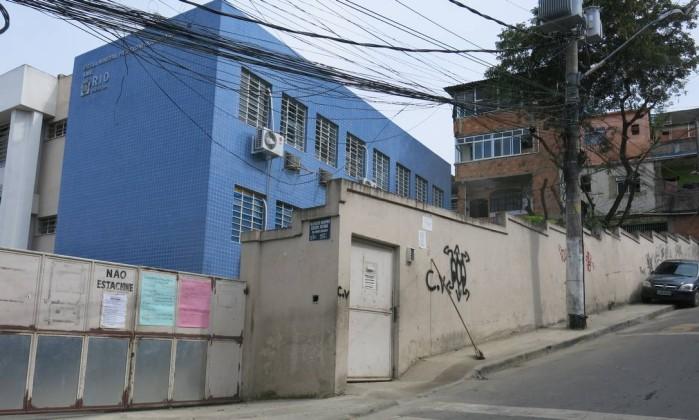 Escola no Complexo do Alemão é assaltada e estudantes ficam sem aula