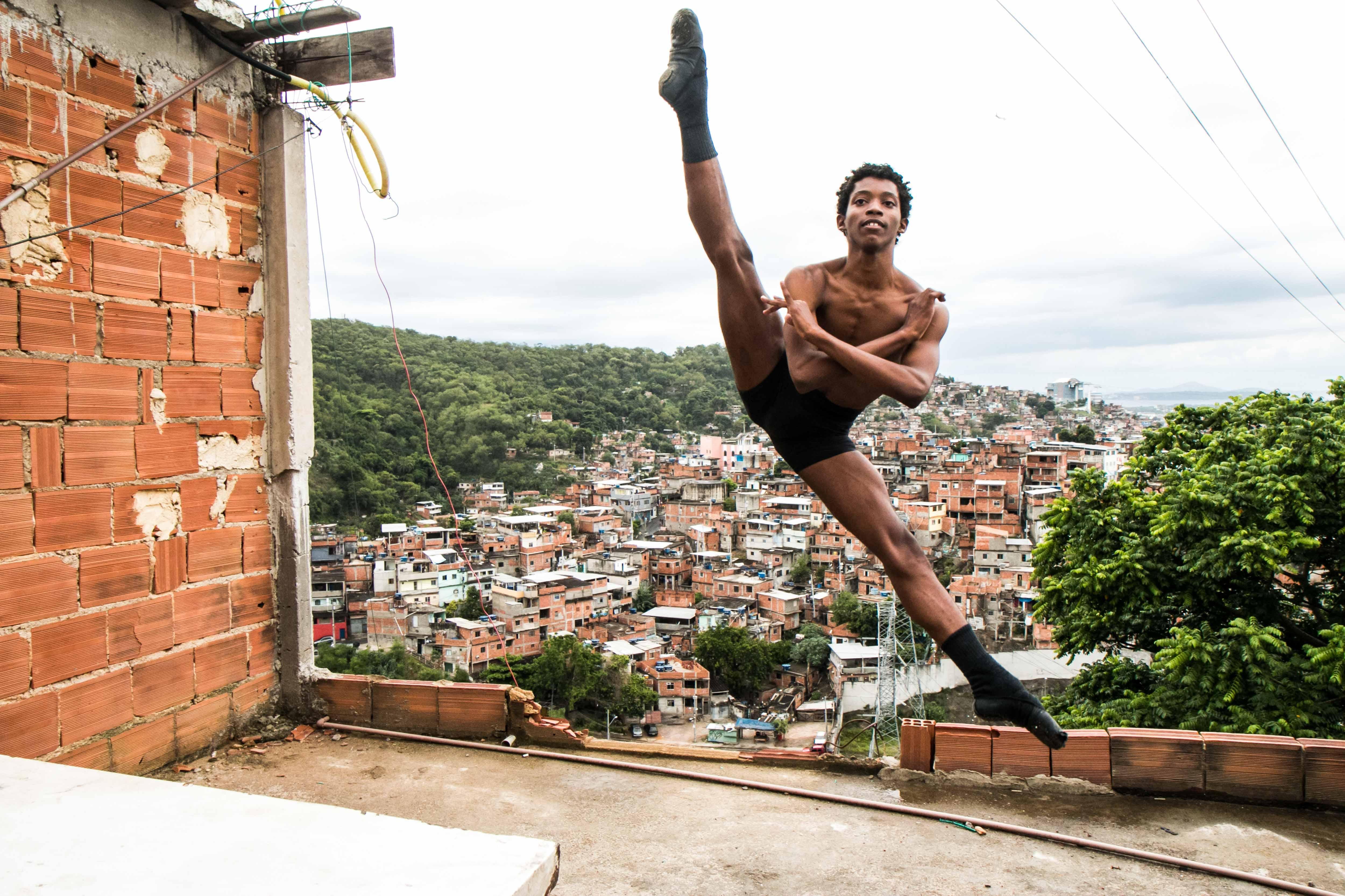 Um Grand Jeté do Alemão para o Balé Bolshoi, em Joinville