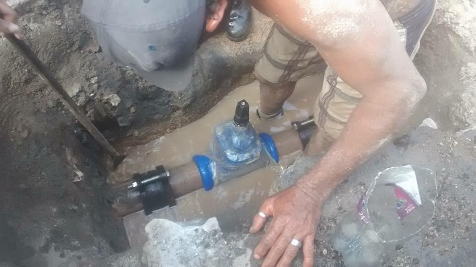Associação dos Moradores do Alemão se juntam pra resolver problema da falta d'água na comunidade