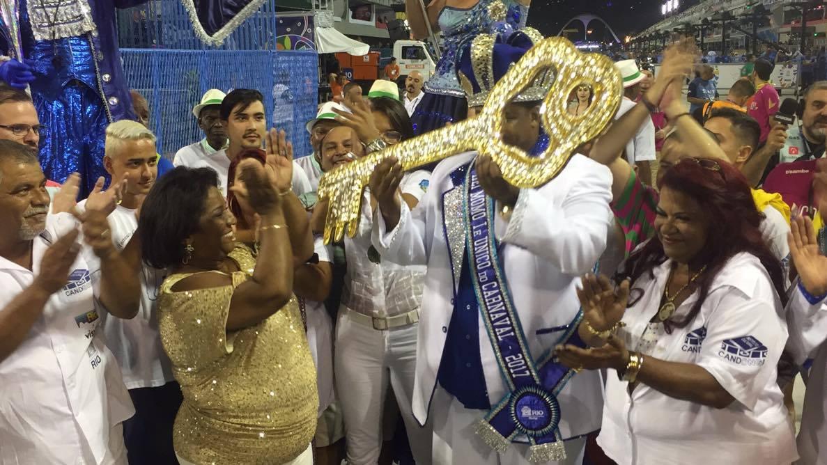 Alegria e emoção em abertura do Carnaval 2017