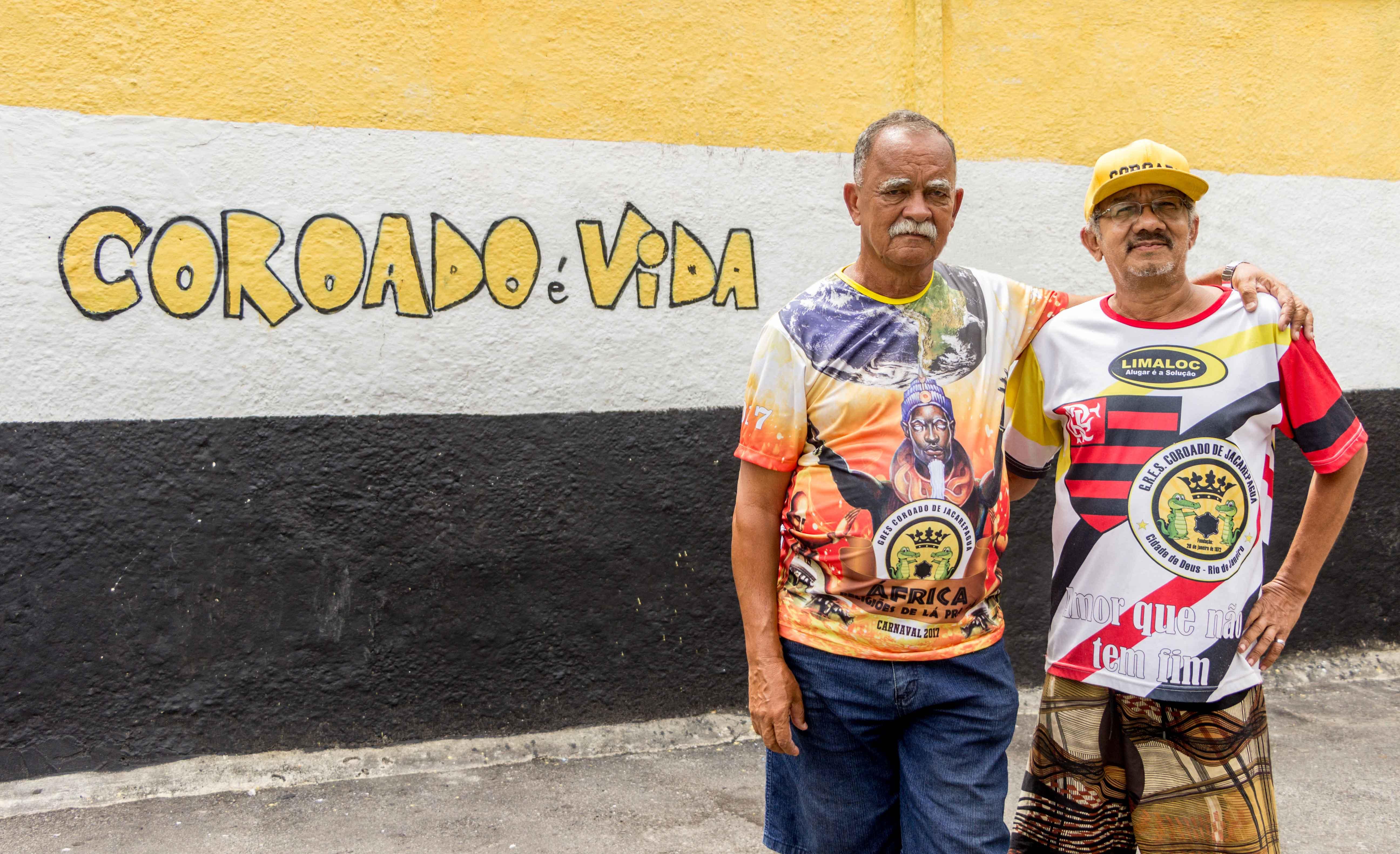 Eli Alves Gomes (Esquerda) E Deda (Direita), diretores da Escola de Samba Coroado da Cidade de Deus - Foto: Renato Moura/Jornal Voz Das Comunidades