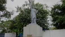 Estátua da liberdade na Vila Kennedy - Foto: Renato Moura/Jornal Voz Das Comunidades