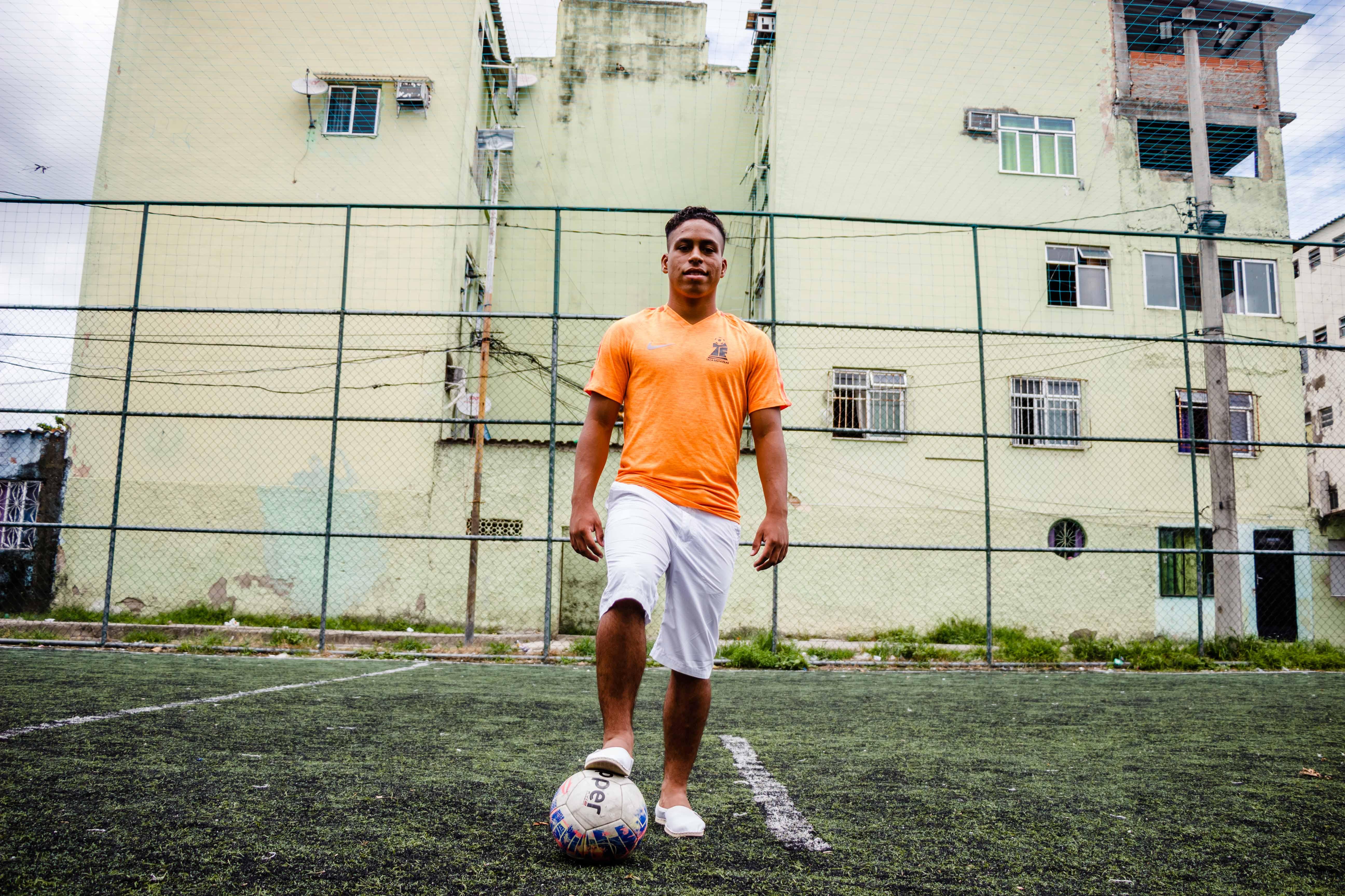Cria da Favela do Fumacê é campeão na Taça das Favelas pela Vila Aliança
