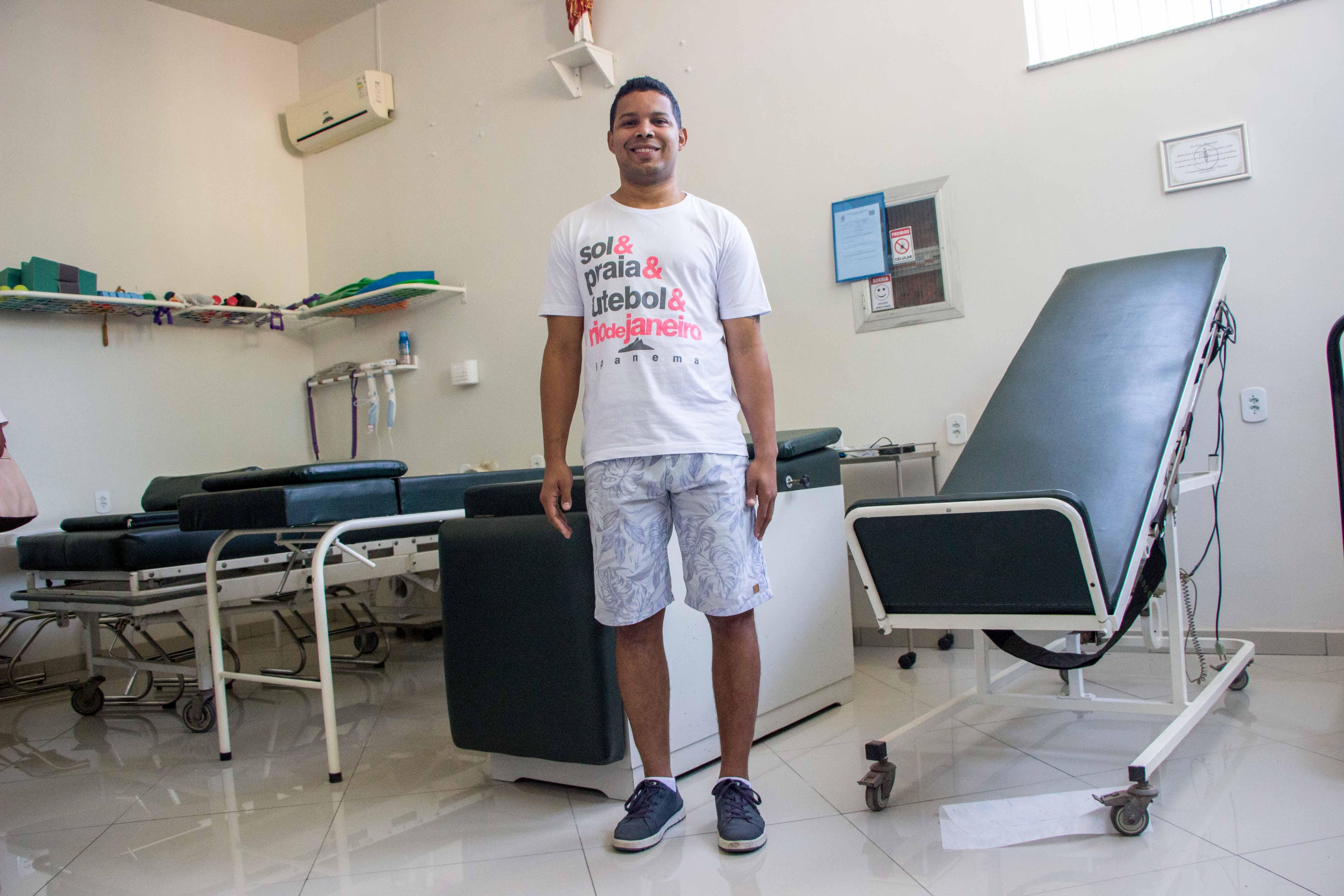 Instituto oferece atendimento gratuito de fisioterapia para moradores