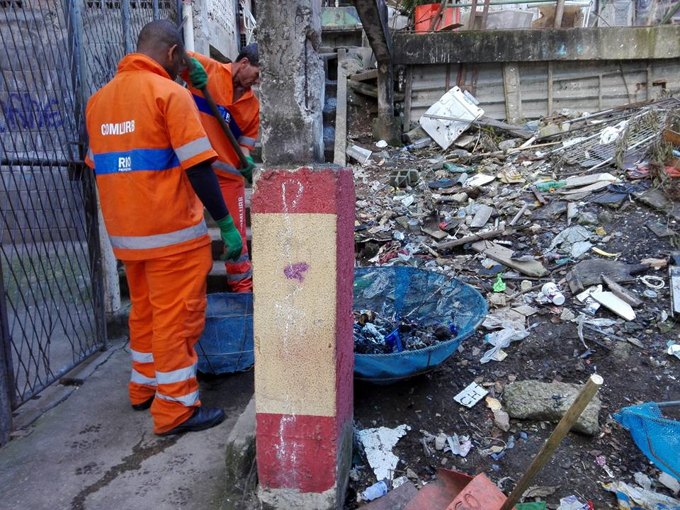 Comlurb promove limpeza no Cantagalo e remove seis toneladas de resíduos