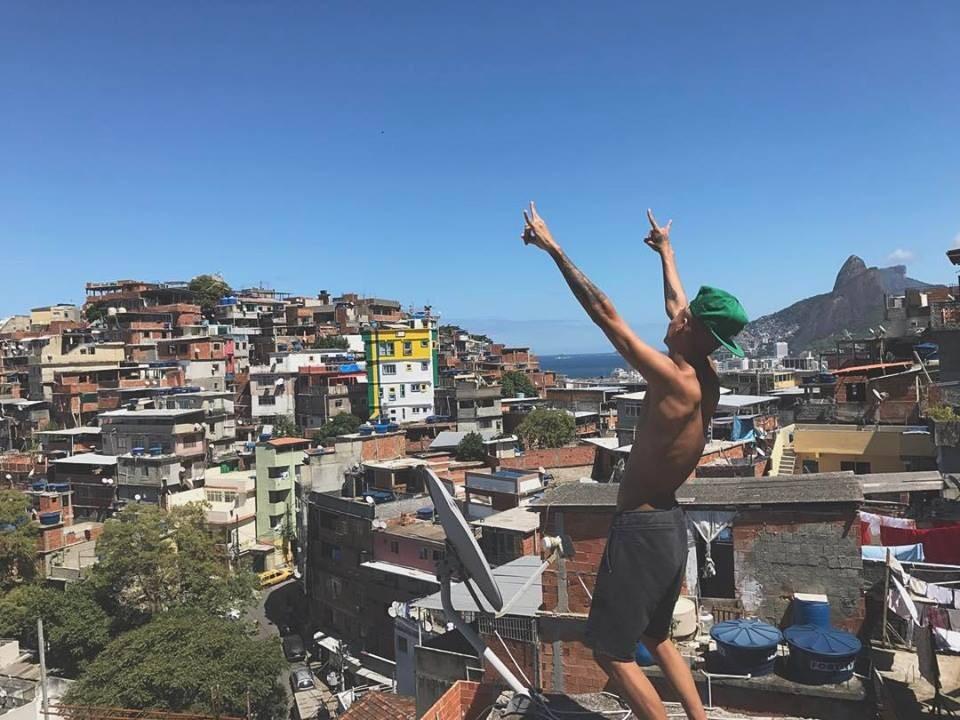 MC Cabelinho grava com KondZilla cenas do novo clipe no Pavão-Pavãozinho e Cantagalo