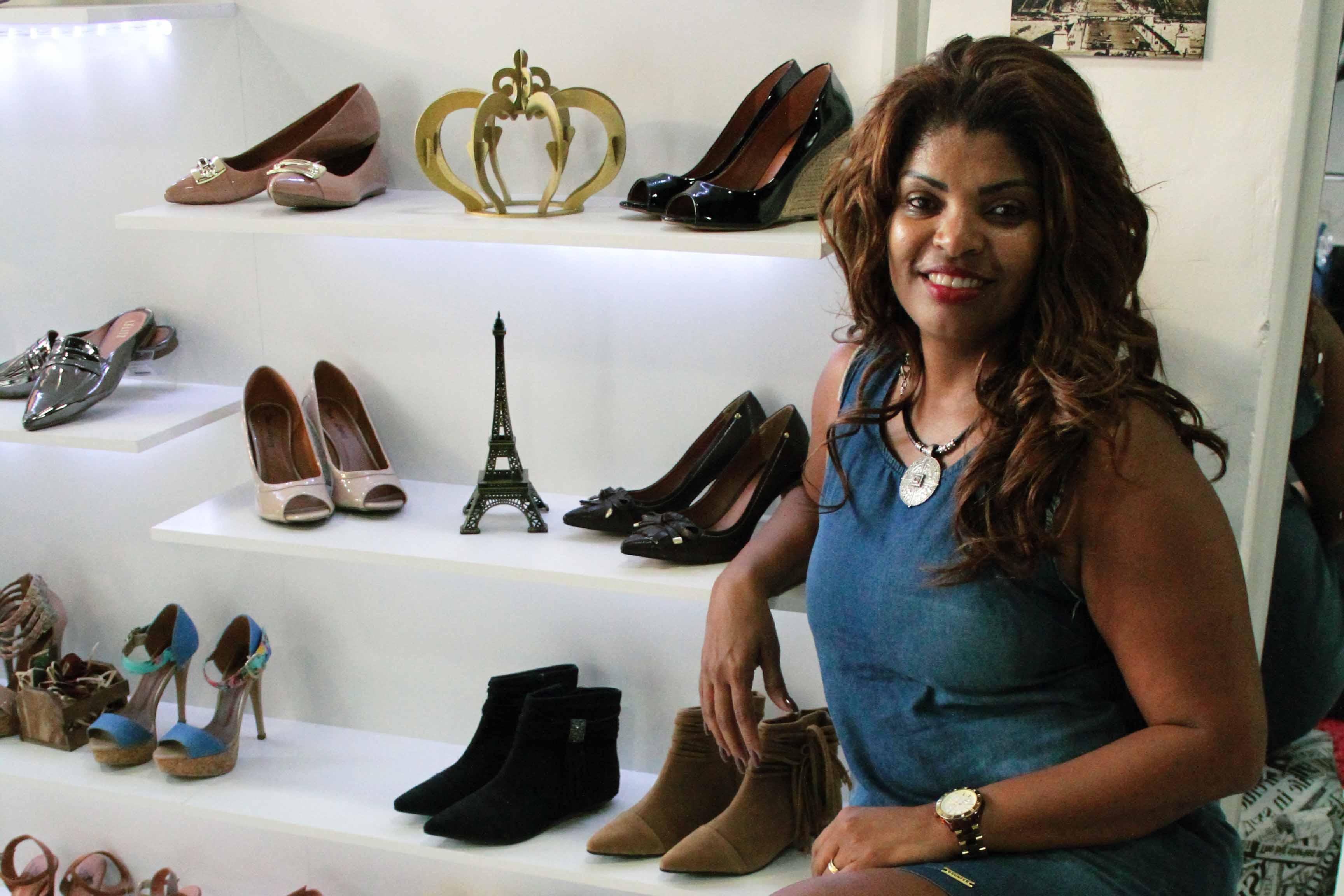 Desejo de sapato vira negócio na Vila Vintém