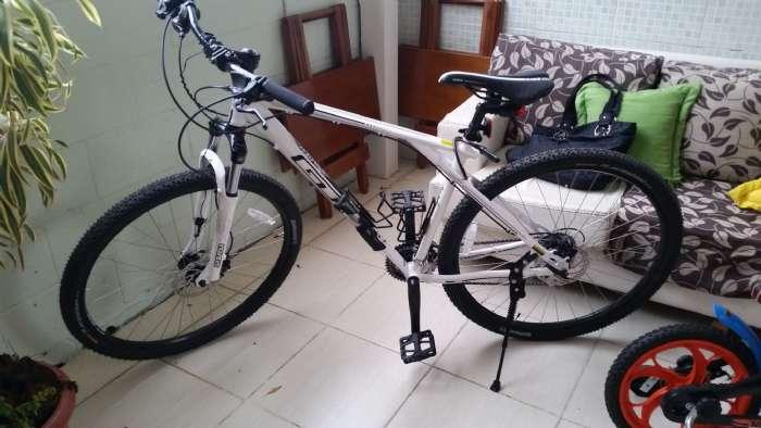 Associação do Pavão-Pavãozinho vai multar quem deixar bicicletas nos acesso do bondinho