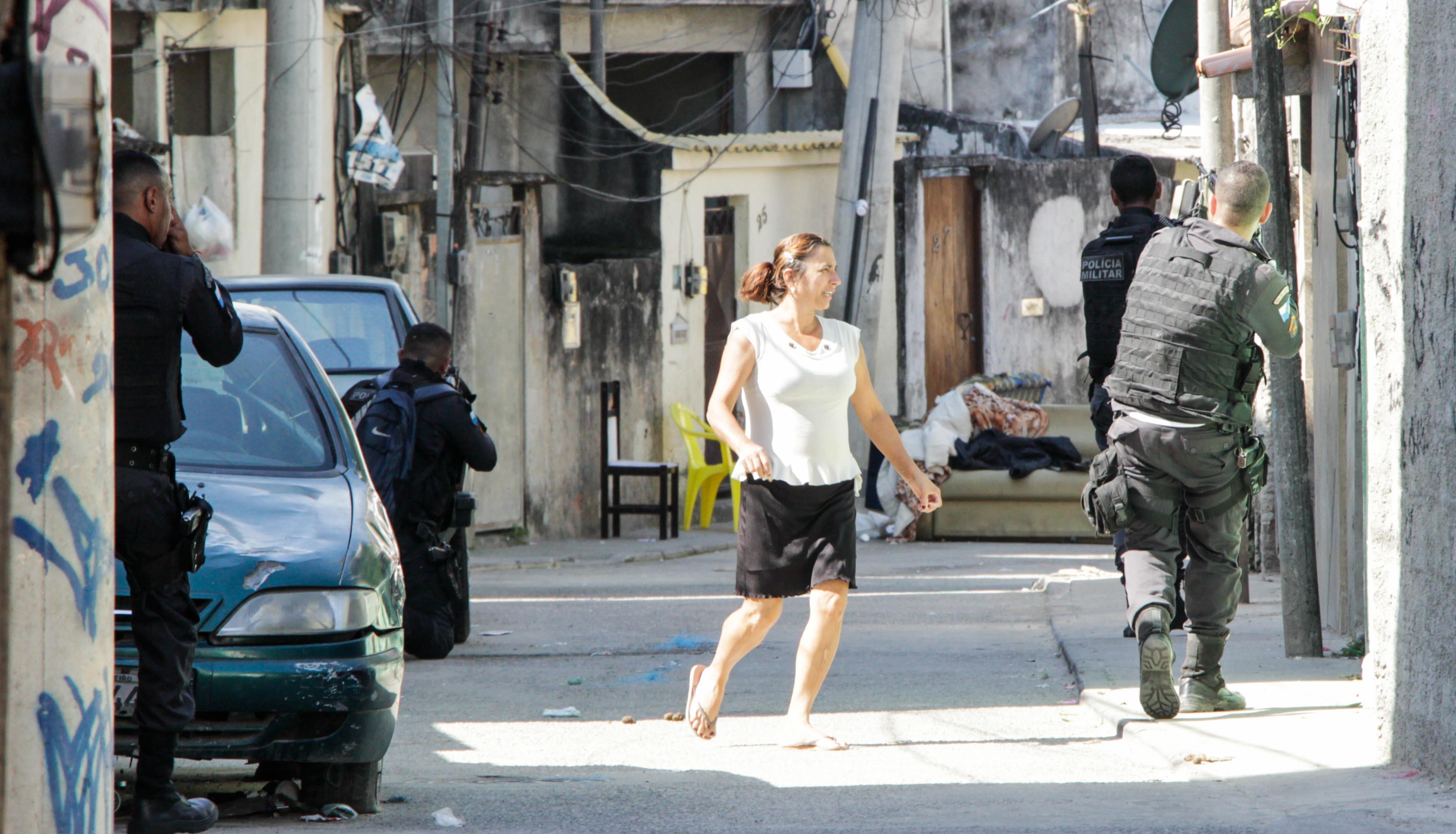 Quarto dia de tiroteio na Cidade de Deus deixa moradores assustados