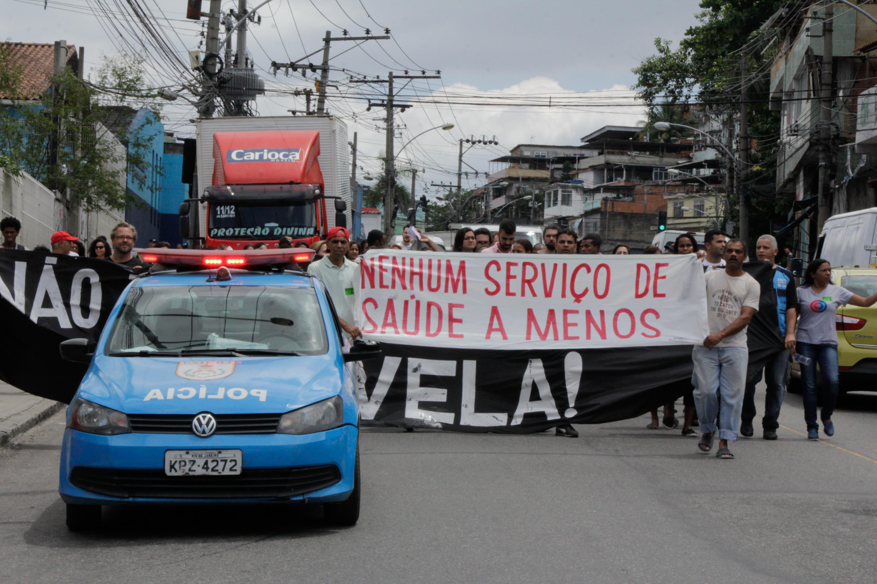 O protesto chegou a fechar por completa a Estrada do Itararé | Foto: Betinho Casas Novas / Jornal Voz das Comunidades