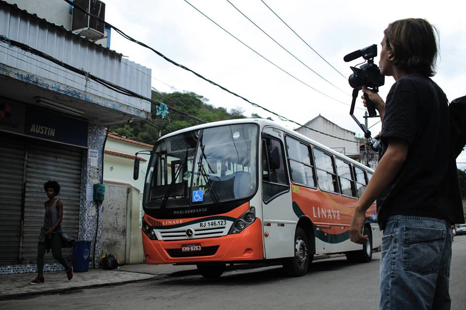 Documentário sobre histórias vividas no transporte público será exibido no Complexo do Alemão