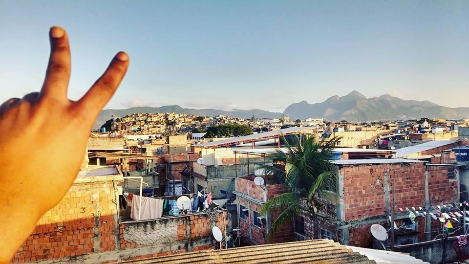Ser favelado não é ser mal-educado #opinião
