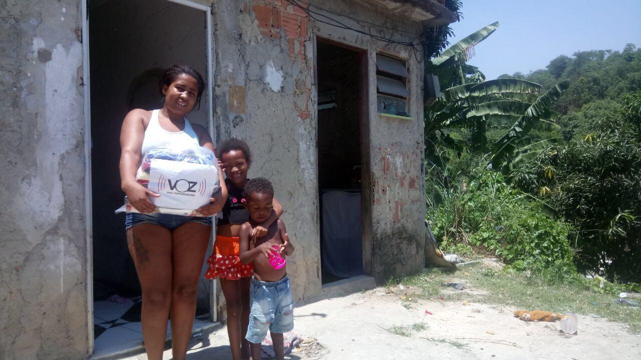 ONG Voz das Comunidades vai distribuir 600 cestas básicas em favelas do Rio neste fim de semana