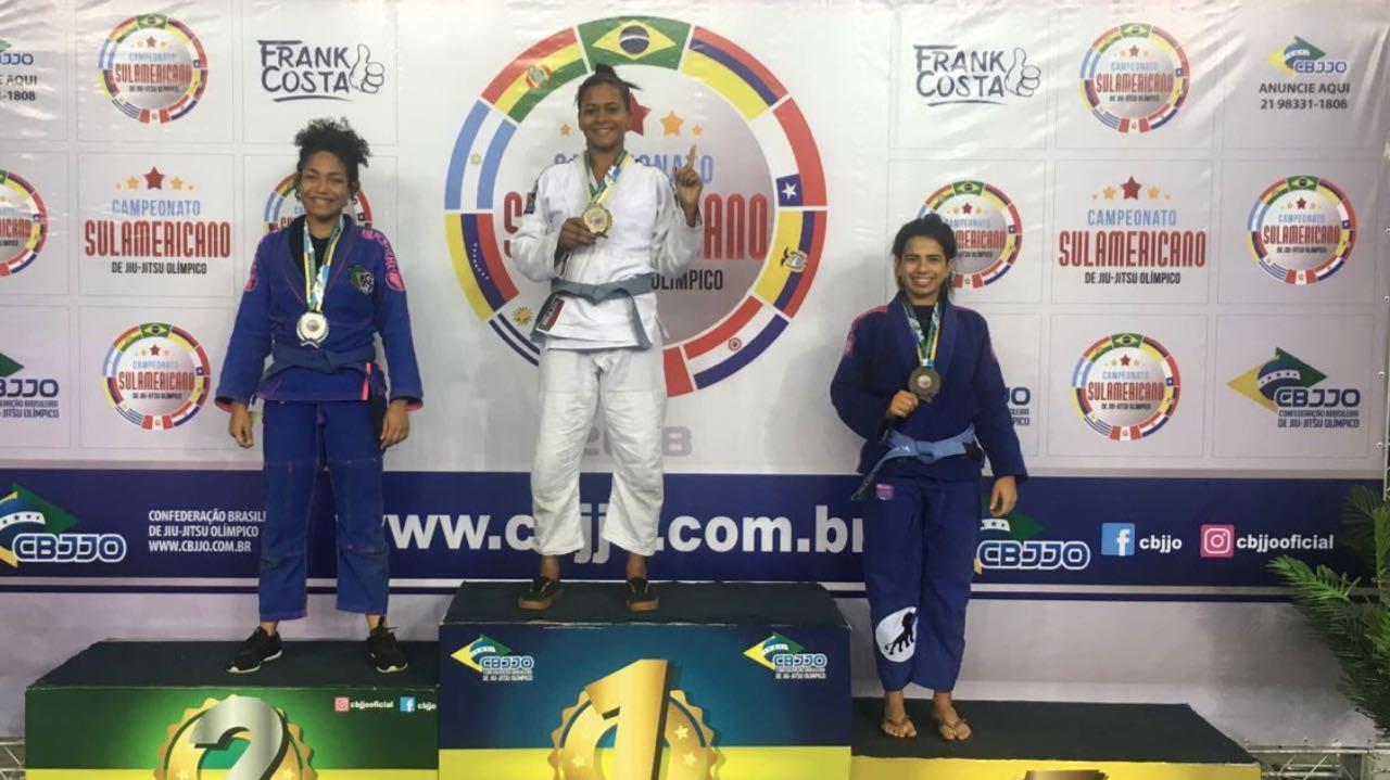 Jovens de três comunidades do Rio conquistam 30 medalhas em Sul-americano de Jiu-Jítsu