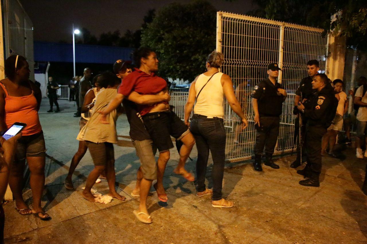 Troca de tiros na Nova Brasília deixa 3 mortos e outros 4 feridos, na noite desta sexta