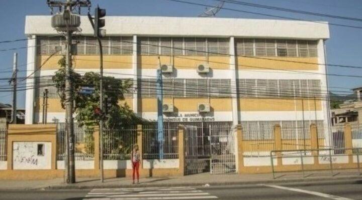 Abaixo-assinado pede a volta do EJA na Escola Municipal Alphonsus de Guimaraens