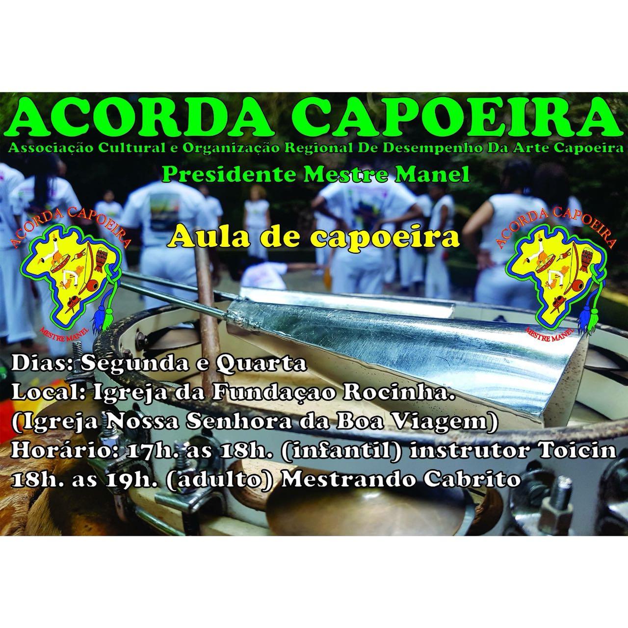 Aulas de Capoeira são oferecidas para crianças e adultos moradores da Rocinha