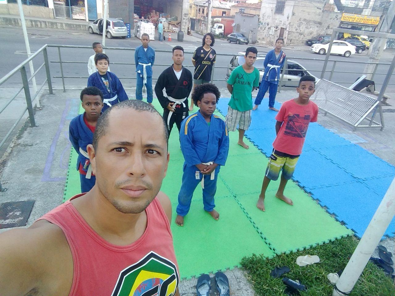 Projeto social do Alemão arrecada fundos para disputar campeonato de jiu-jitsu