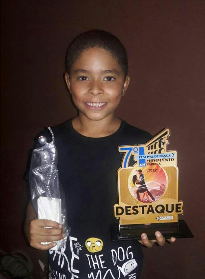 Criança da CDD é destaque no Festival de Dança Movimento Art Carioca