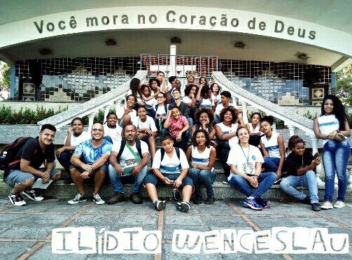 Alunos de escola municipal fazem tour no Complexo da Penha e apresentam pontos turísticos da comunidade