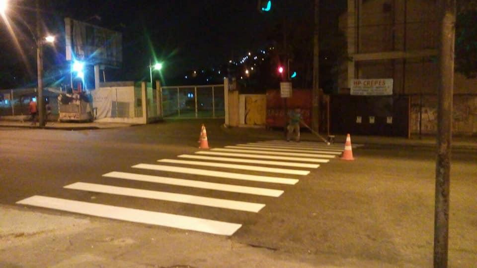 Faixa de pedestre é pintada na Estrada do Itararé após matéria do Voz das Comunidades