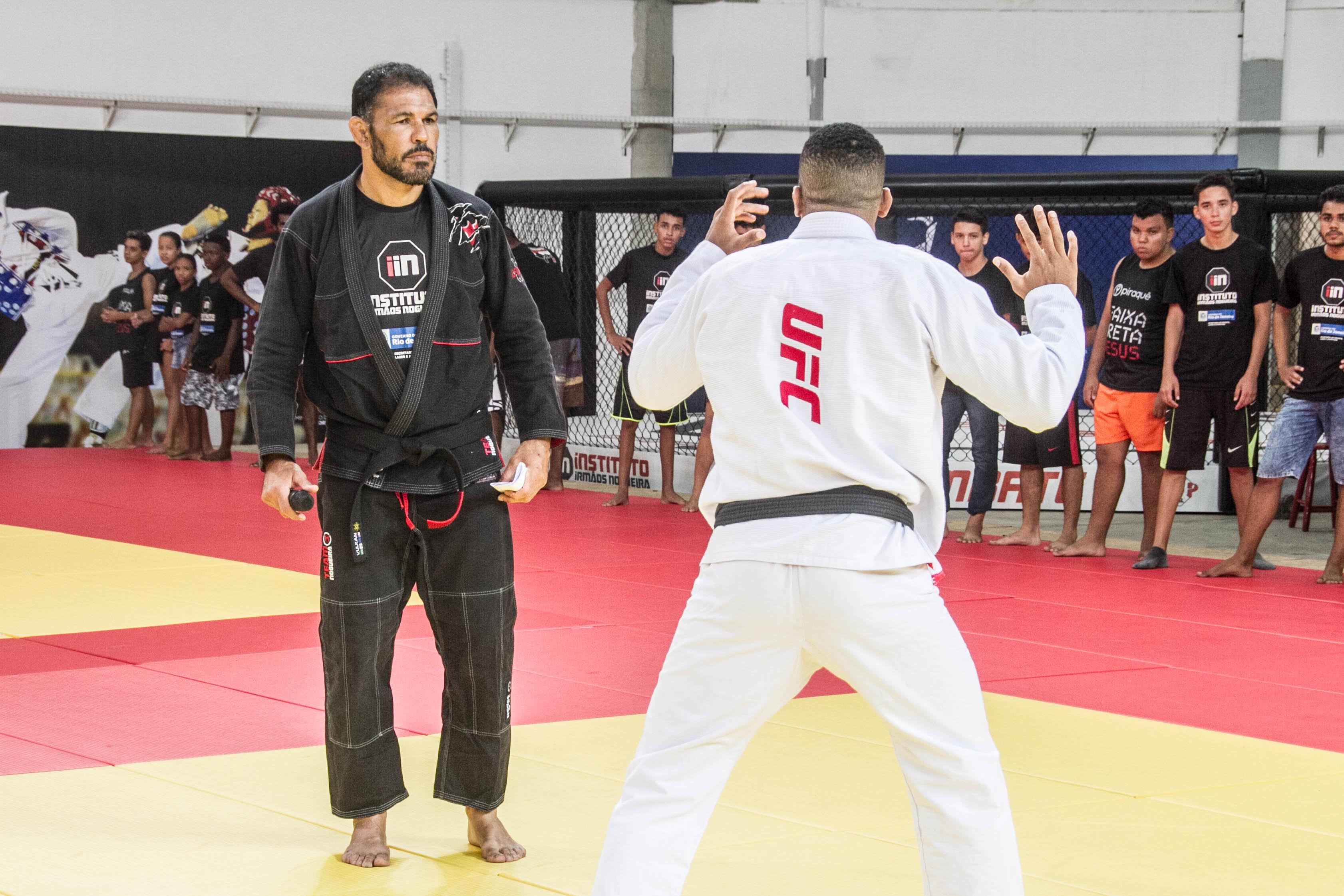 Minotauro comanda aulão social do UFC no Parque Olímpico