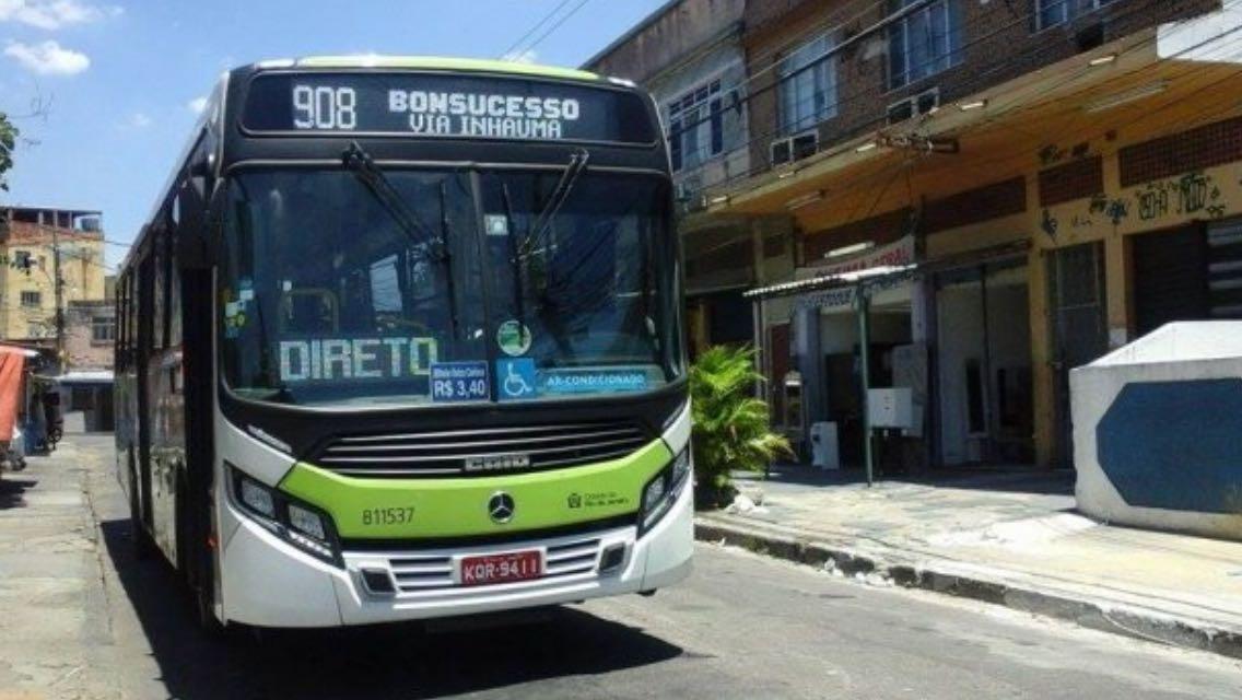 Crivella garante que 40% da frota dos ônibus vão circular nas ruas amanhã (28), mas Rio Ônibus nega