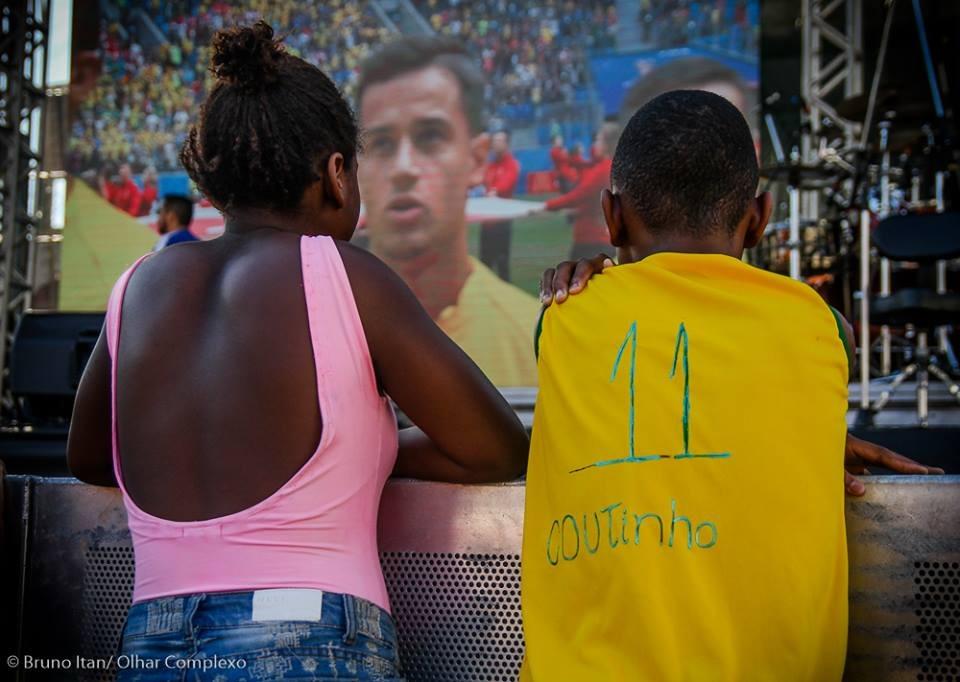 Campanha promove encontro entre jogador da seleção e torcedor da Vila Cruzeiro