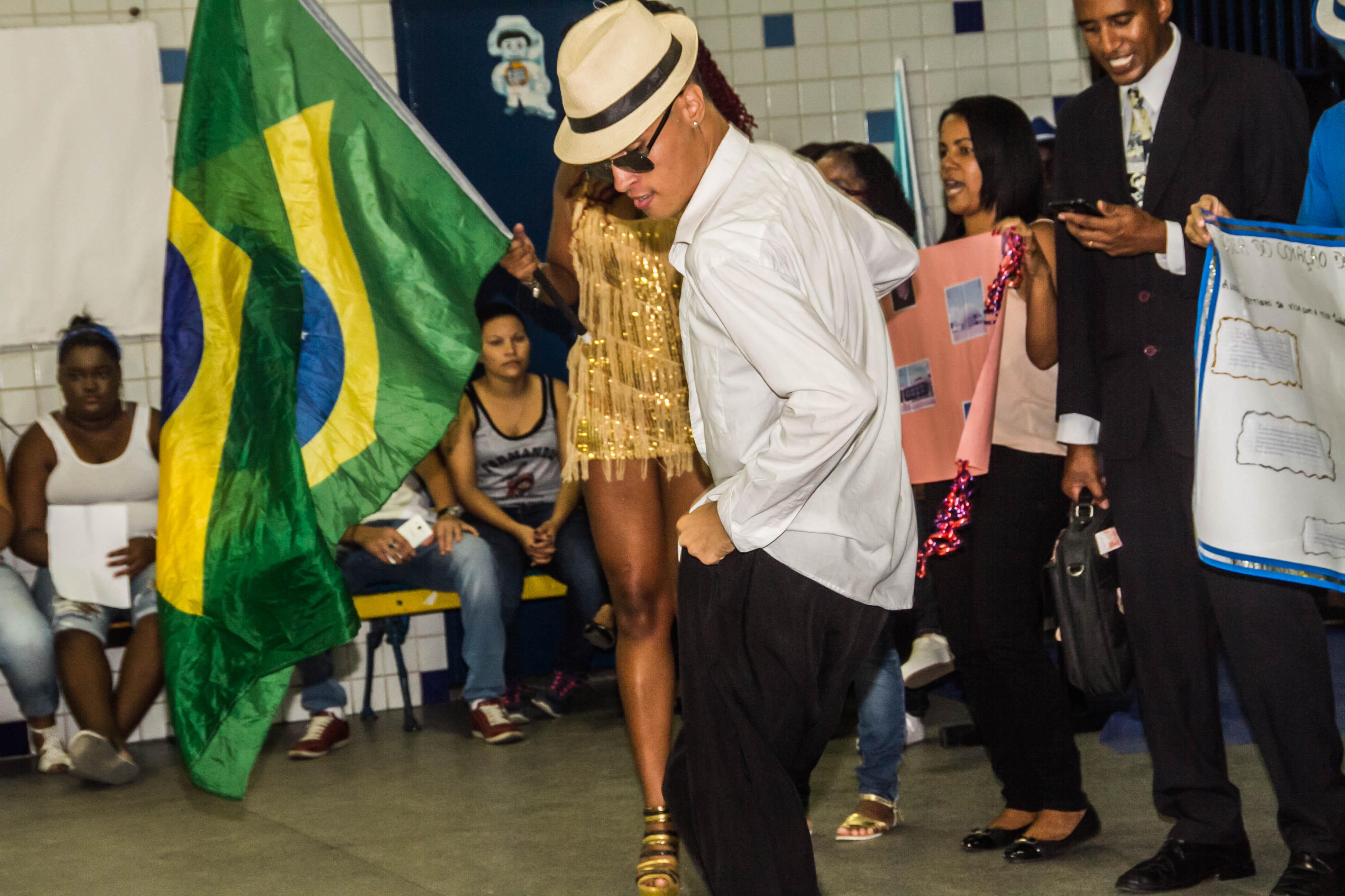 Arena Dicró fecha parceria com Independentes de Olaria para oficina de Samba