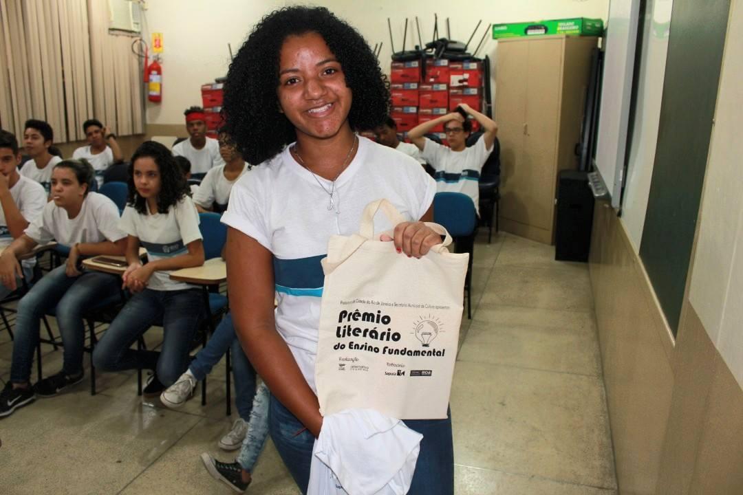 Estão abertas as inscriçõesgratuitas para o Prêmio Literário de Escolas Municipais