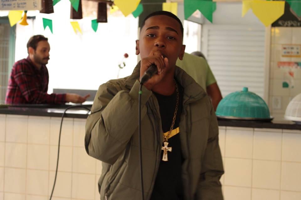 Matinê do passinho carioca abre espaço para novos talentos do Funk
